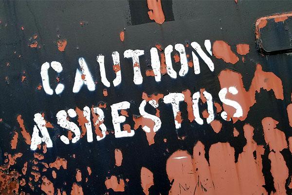 Asbestsanering kräver särskild kunskap.